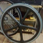 <!--:en-->Sold: Areospoke front wheel (including tire) - black<!--:--><!--:zh-->已售出:Aerospoke 五刀带刹车边外胎前轮 - 碳原色<!--:-->